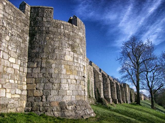 city-walls-164825_640[1]